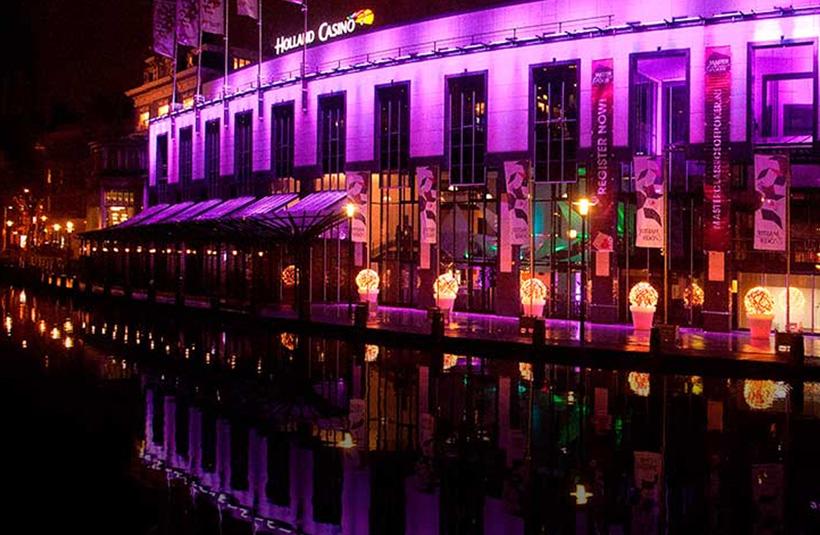 「ホランド・カジノ アムステルダム店」は河川沿いの景色がいいカジノ